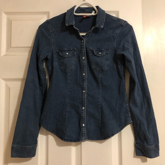 Divided | H&M Jean Shirt Snap Button closure